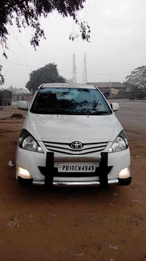 Hire innova/dzire delhi to punjab.one way service.bobby travels